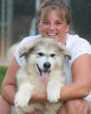 Hudson's Malamutes - Jolene and Candy for the Cooperator Article on Alaskan Malamutes